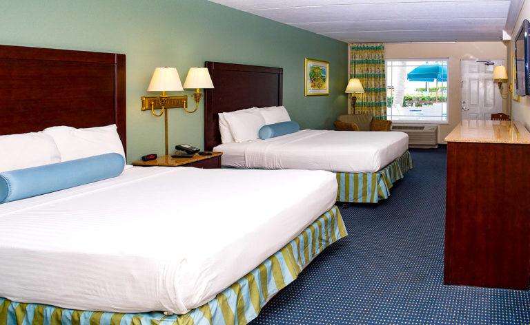 Hirams Suite Room Poolside