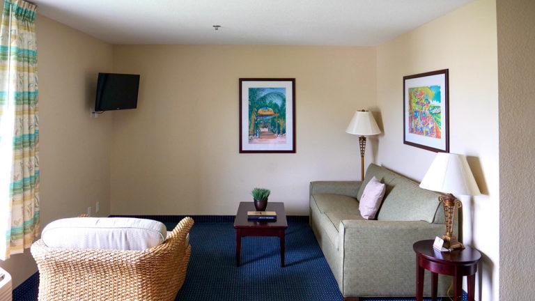 Hiram Hotel Lounge
